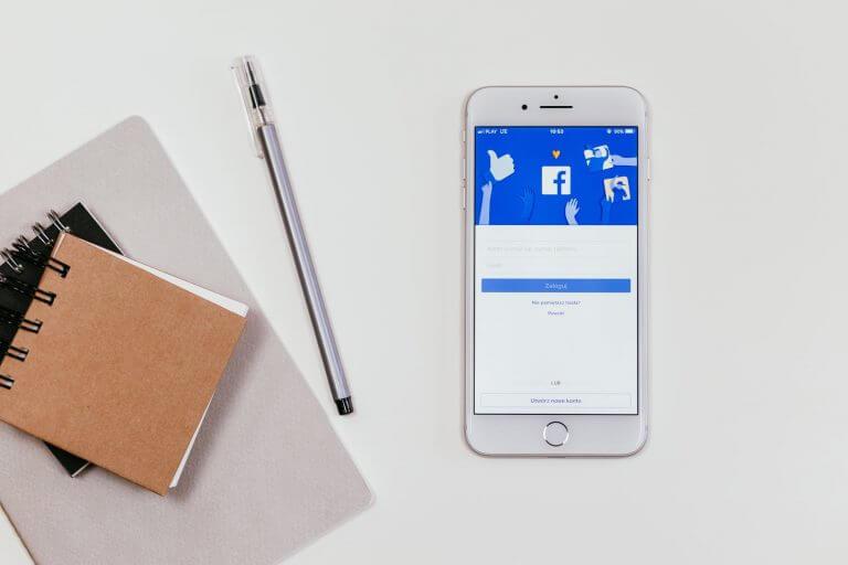 Spadek zasięgów na Facebooku – badanie
